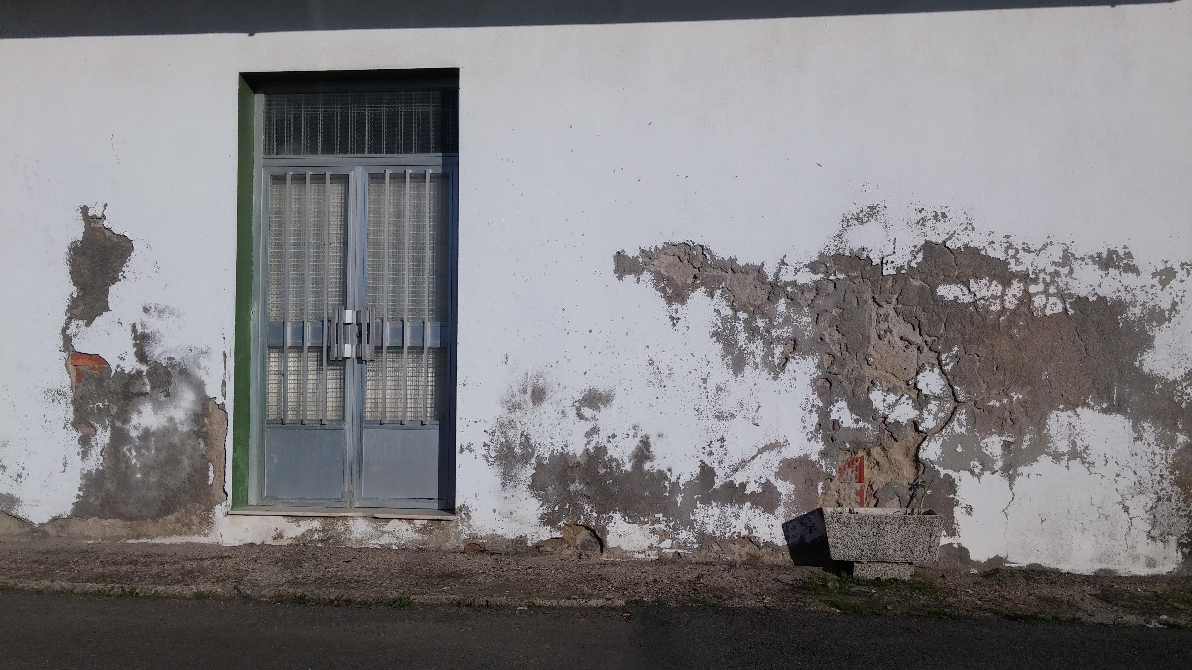 Soluciona los problemas de capilaridad ascendente con - Humedad en la pared ...